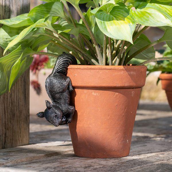 Jardinopia-Pot-Buddy-Red-Squirrel-Pot