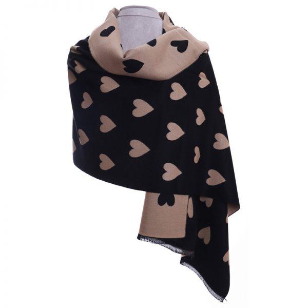 heart-scarf-black-beigh