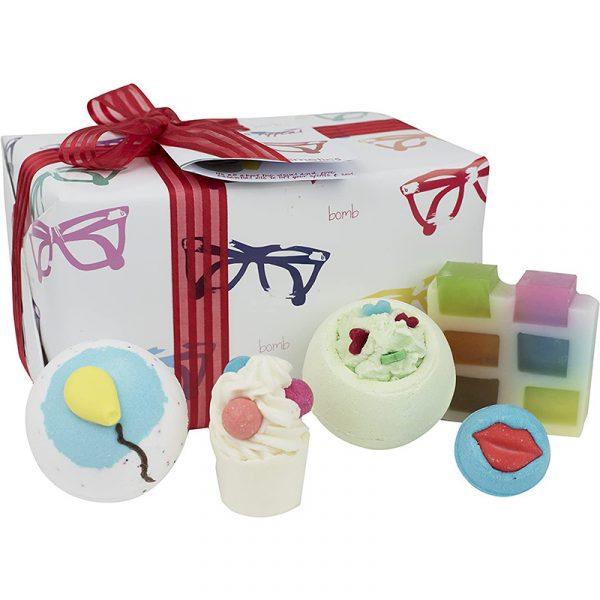 specs-appeal-bomb-cosmetics-set